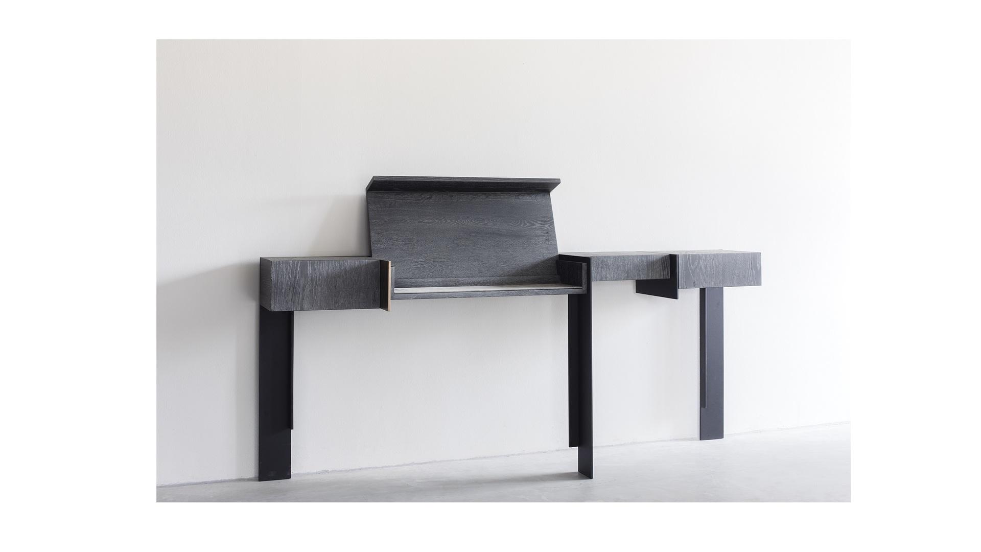 Kitale console (1) klein.jpg