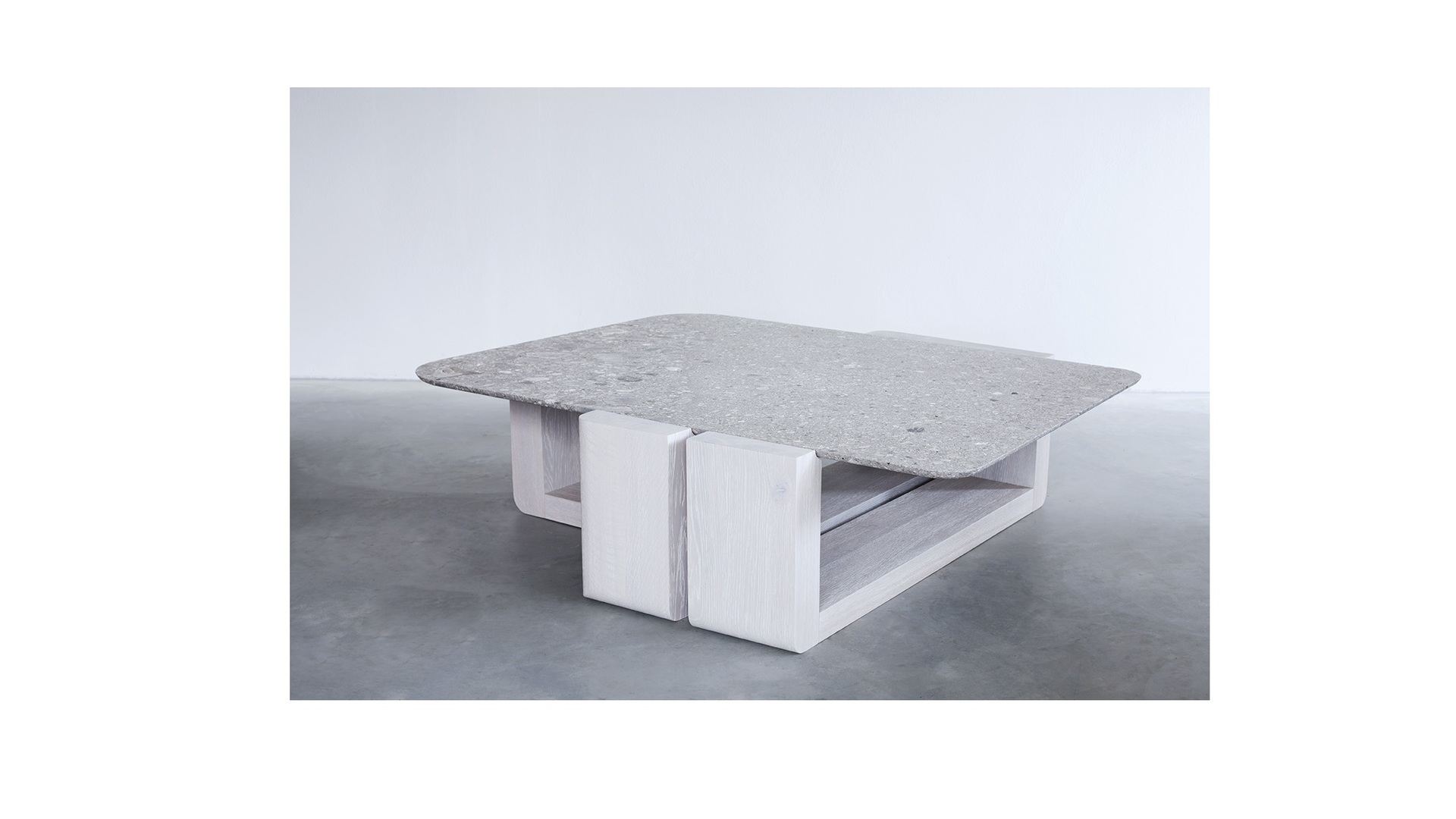 Kitale cocktail table (1) klein.jpg