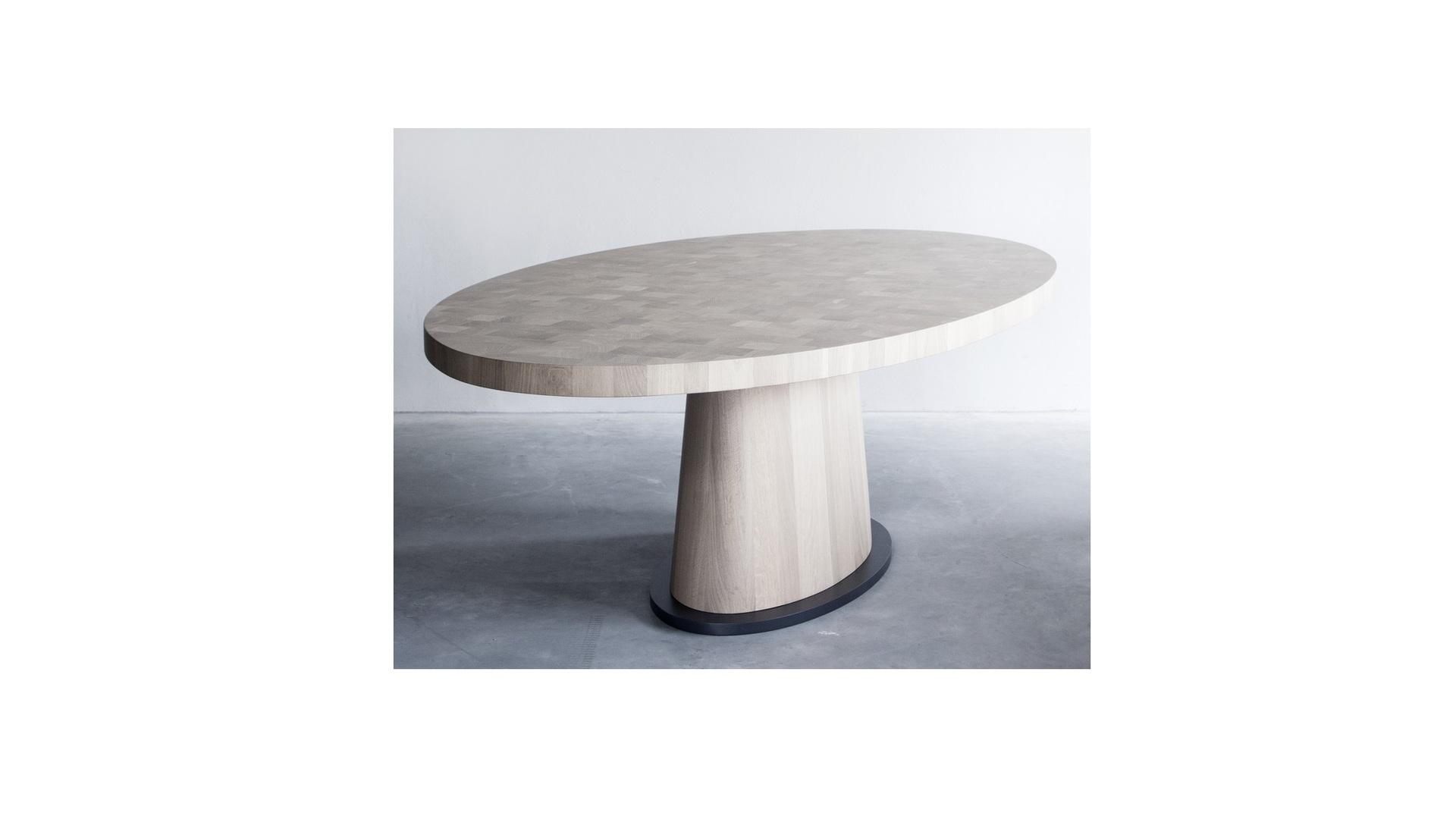 Kops oval table (3) klein.jpg