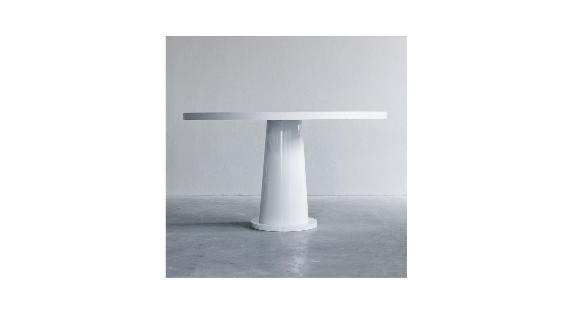 Kops round table with steel base (2) klein.jpg