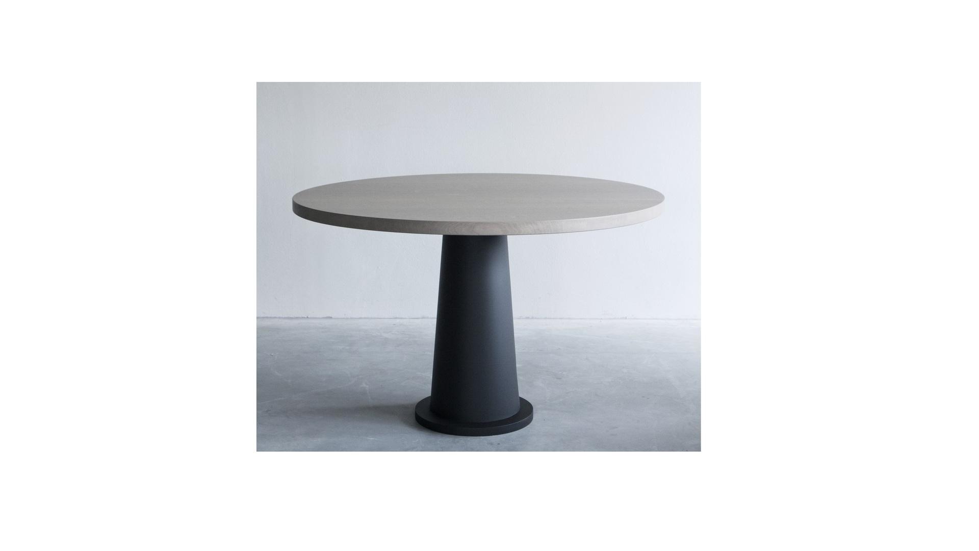 Kops round table with steel base (4) klein.jpg