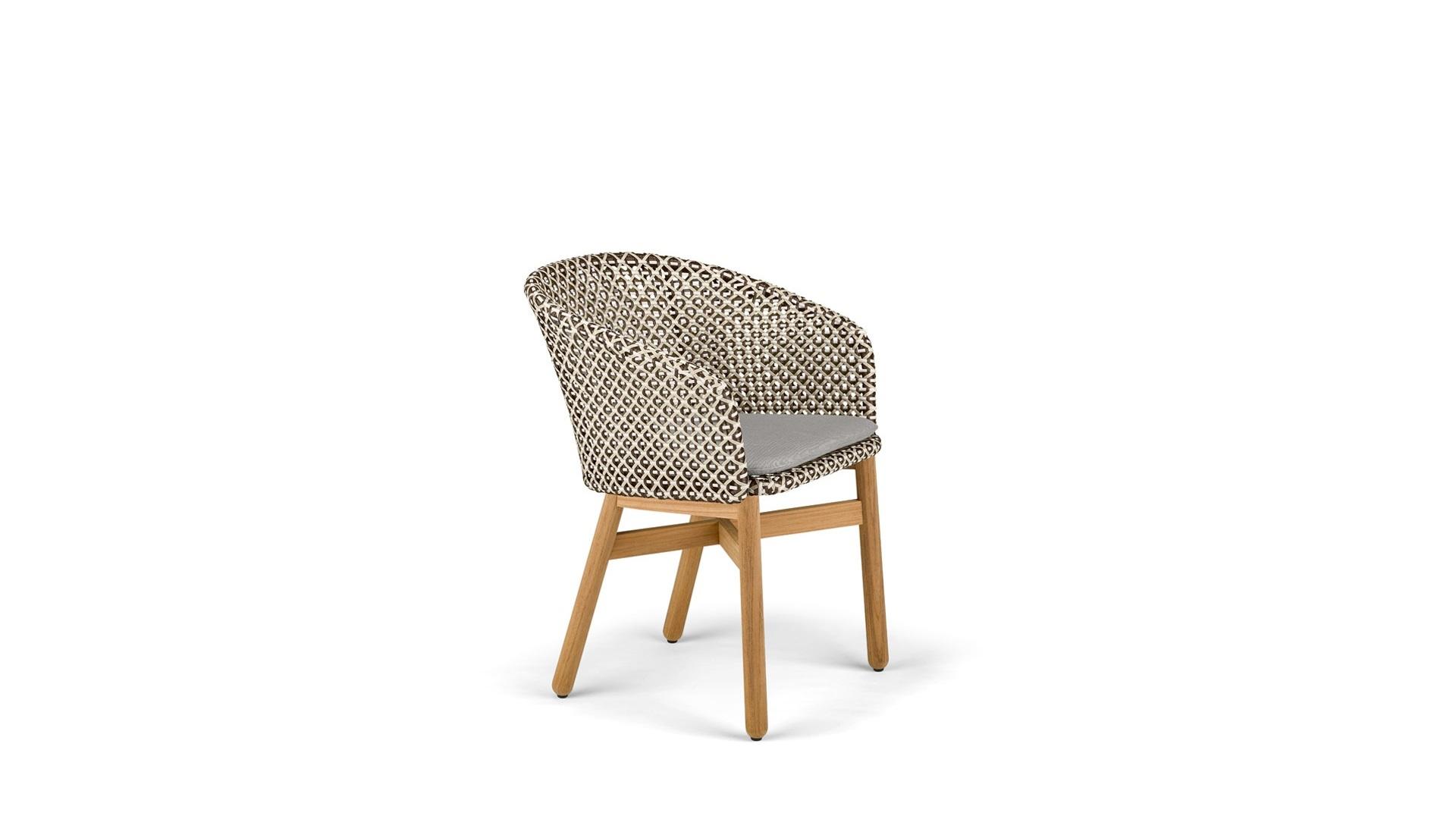DEDON-Mbrace-Dining-chair-teak-pepper (1)dc.jpg