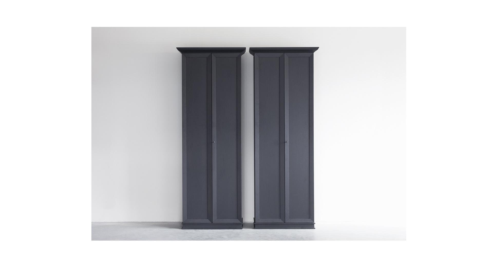 plot cabinet klein 2.jpg