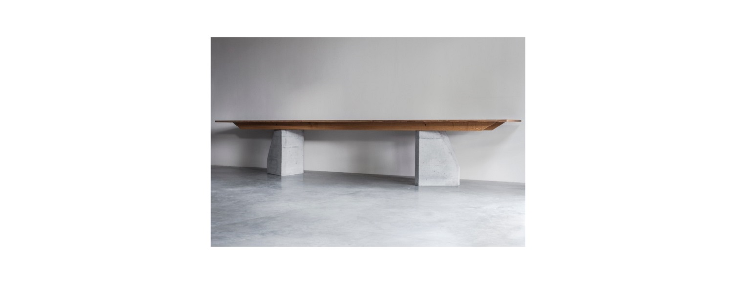 PLY 3 Series table with 2 bases (1) klein.jpg