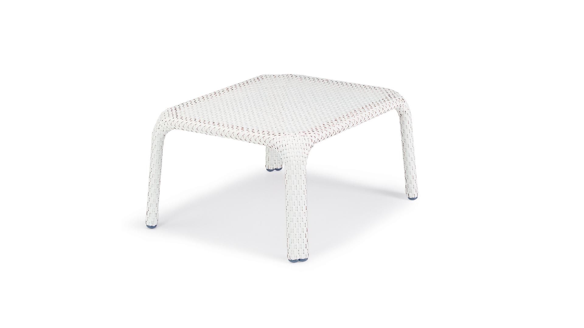 Dedon Seashell footstool.png