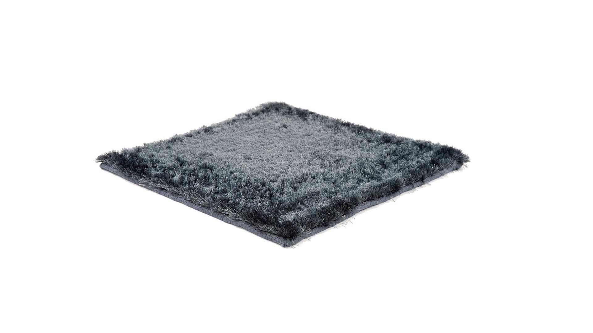 low cut karpet1.png
