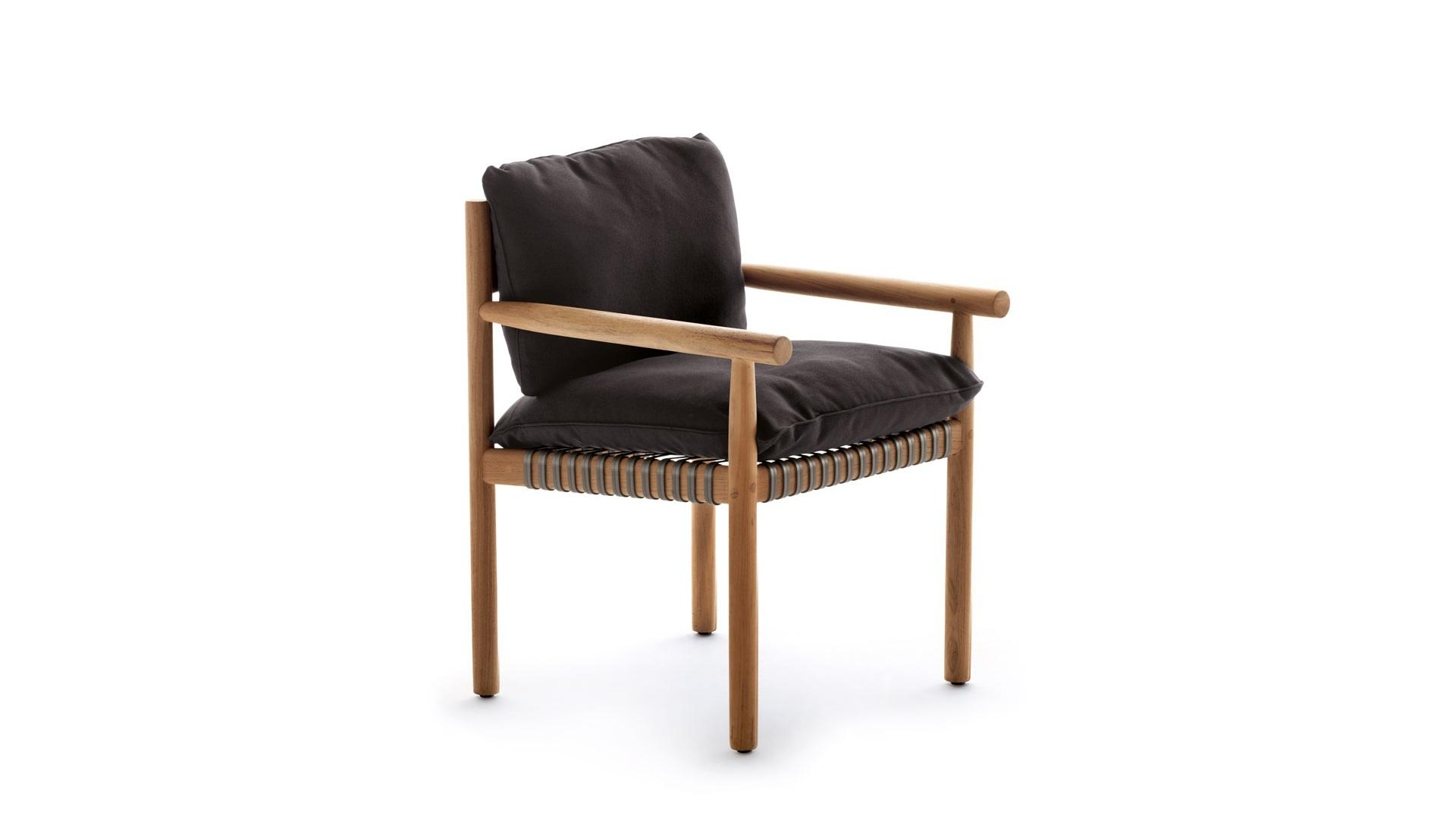 Tibbo armchair 1.jpg