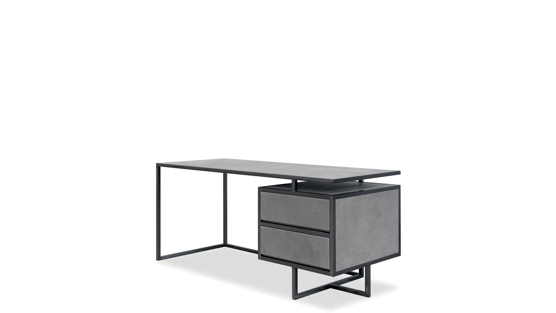 Trinity desk2.jpg