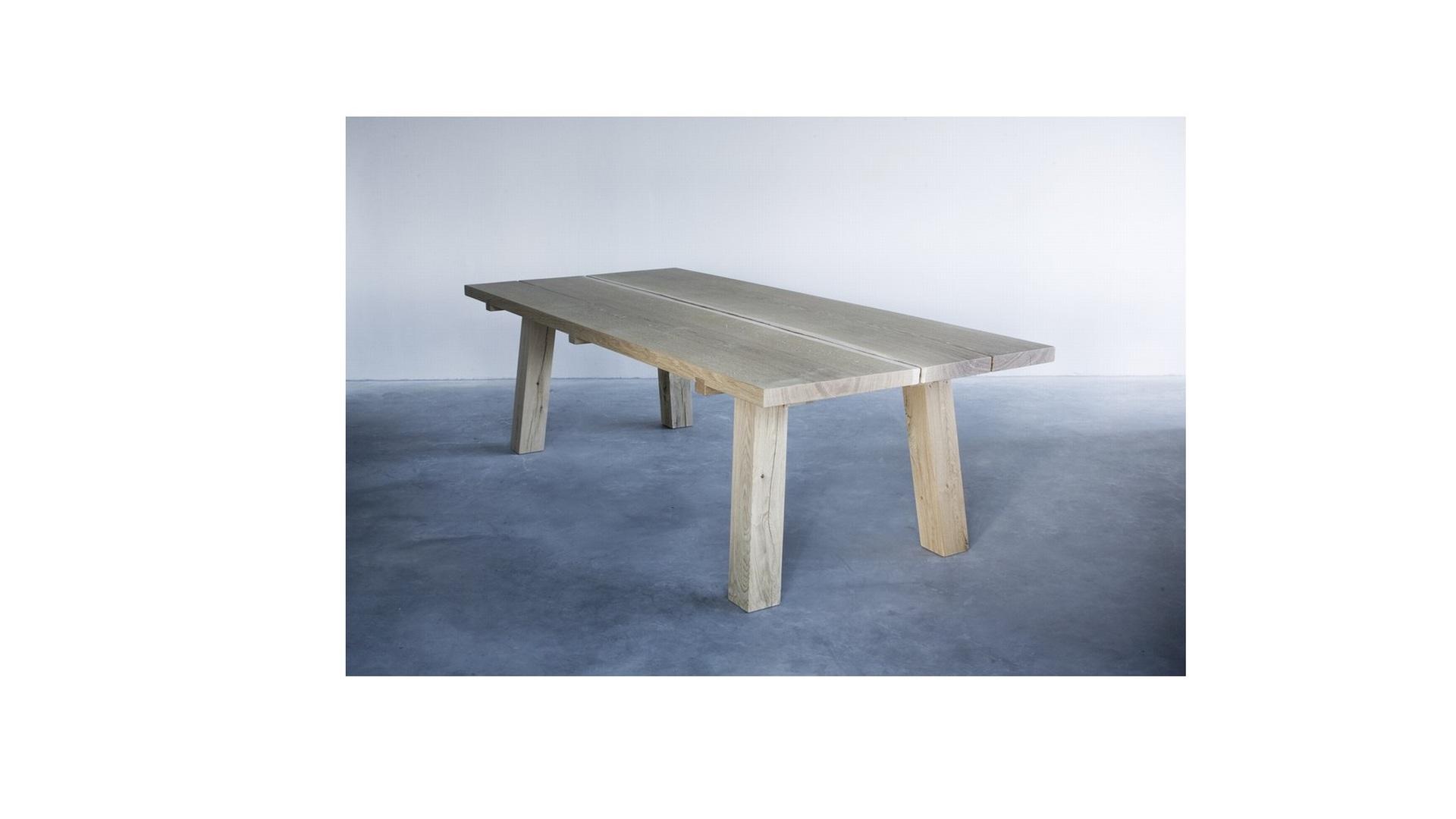 Woud table  (1) klein.jpg